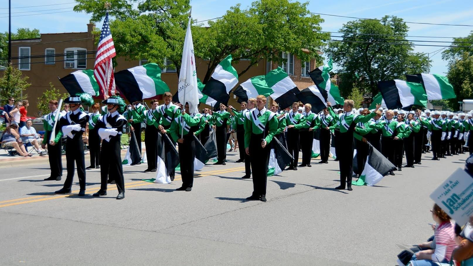 Fourth of July: Drum corps on parade!