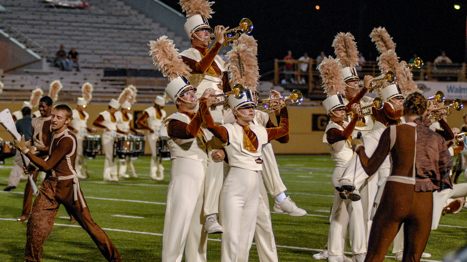Tenth separates leaders as Crown conquers Kalamazoo
